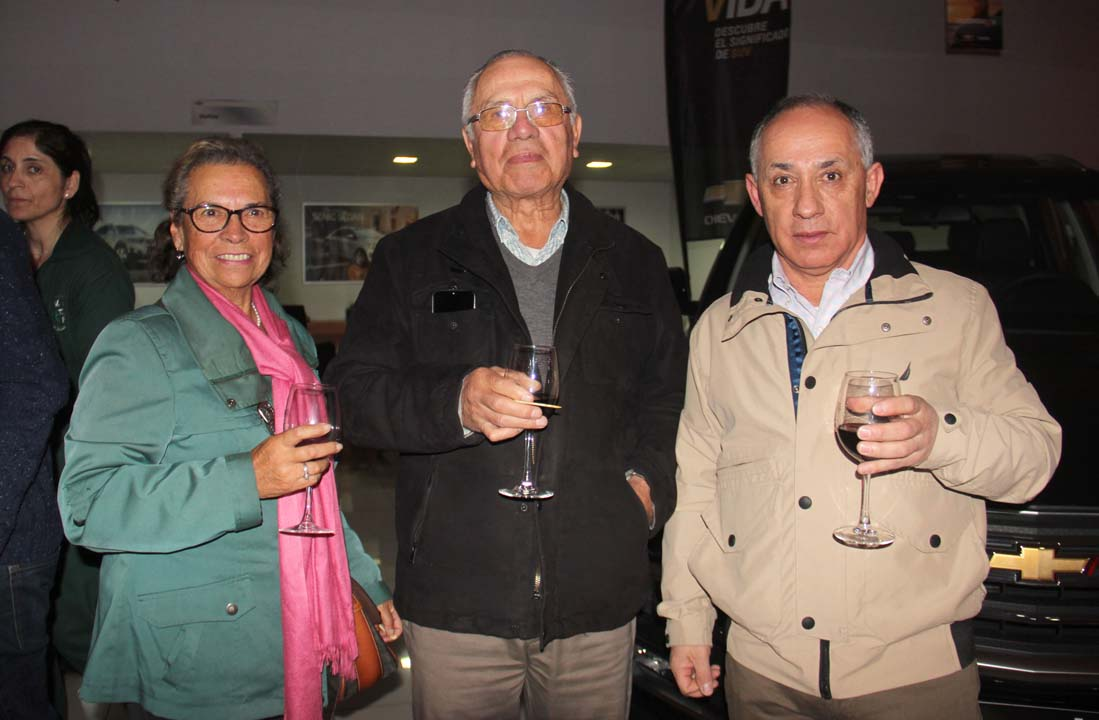 Gladis Fernández, Alejandro Jiménez y Pedro Saldaña