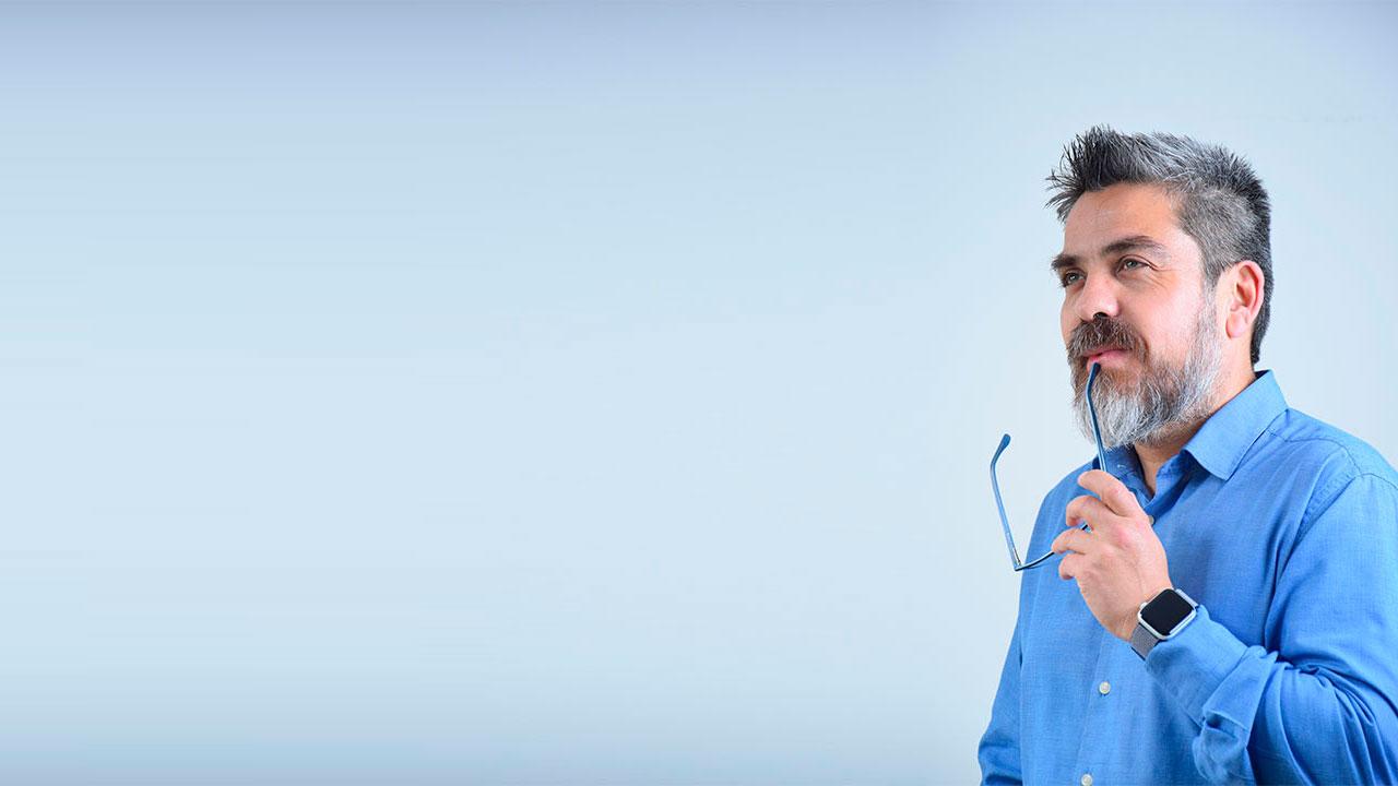 Álvaro Martínez Bianchi Ingeniero Comercial MBA en Dirección General de Empresas / Gerente Agencia 7 Días