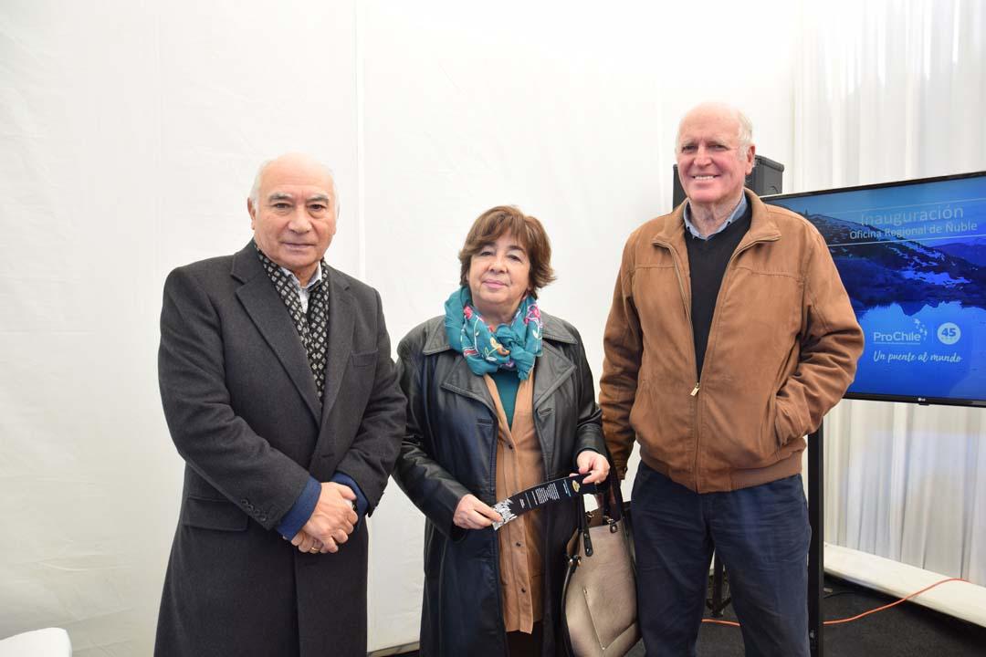 José Villagrán, Aurora Larrere y Alfredo Wahling
