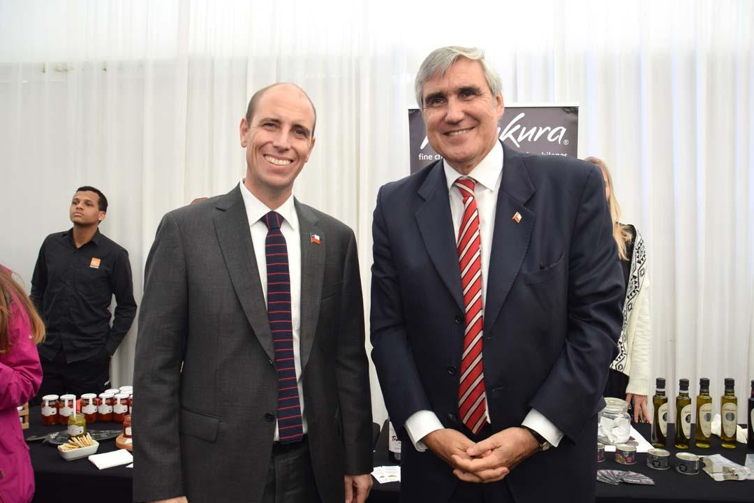 Intendente Martín Arrau y director ProChile Jorge O'Ryan