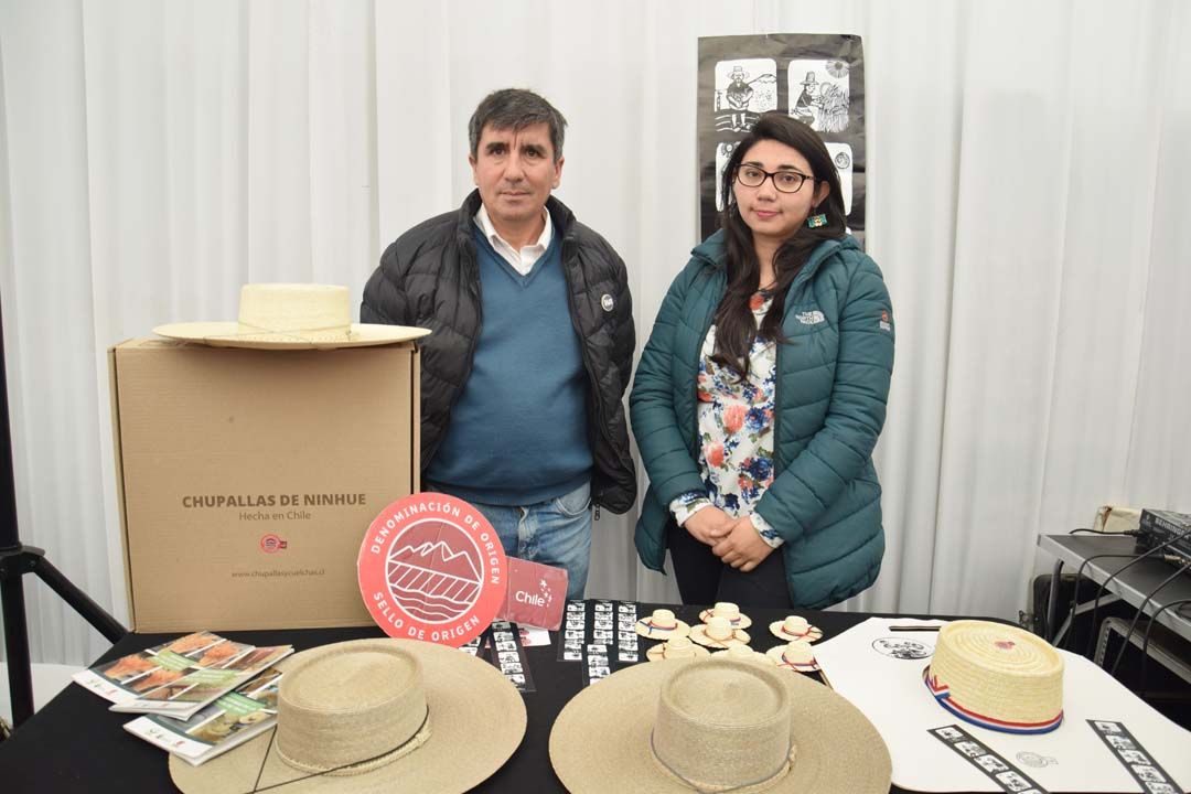 Rafael Montecinos y Marcela Parra, Chupallas de Ninhue