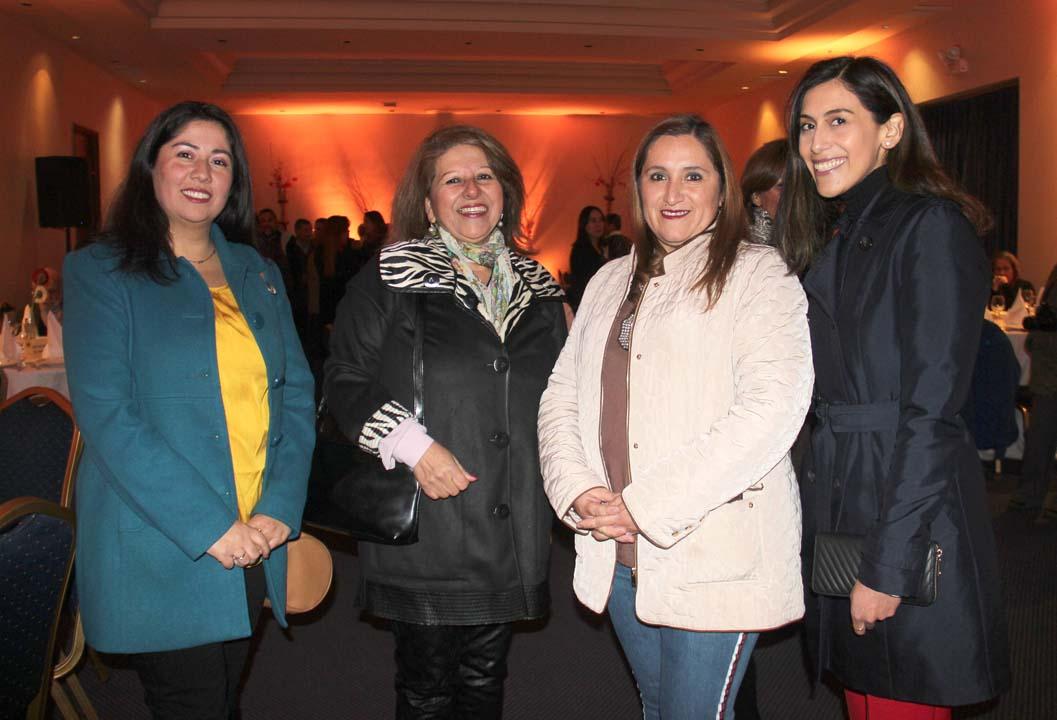 Fanny Zúñiga, Elsa Serrano, Claudia Peñaranda y Angie Figueroa
