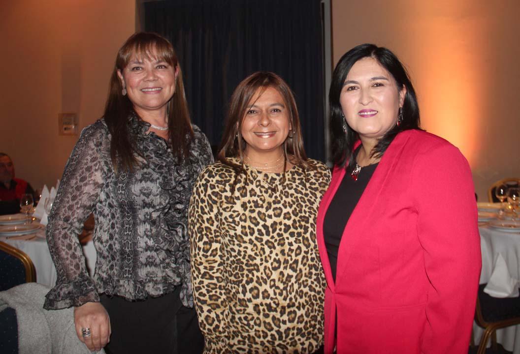 Erika Pradenas, Claudia Reyes y Aracely Rivas