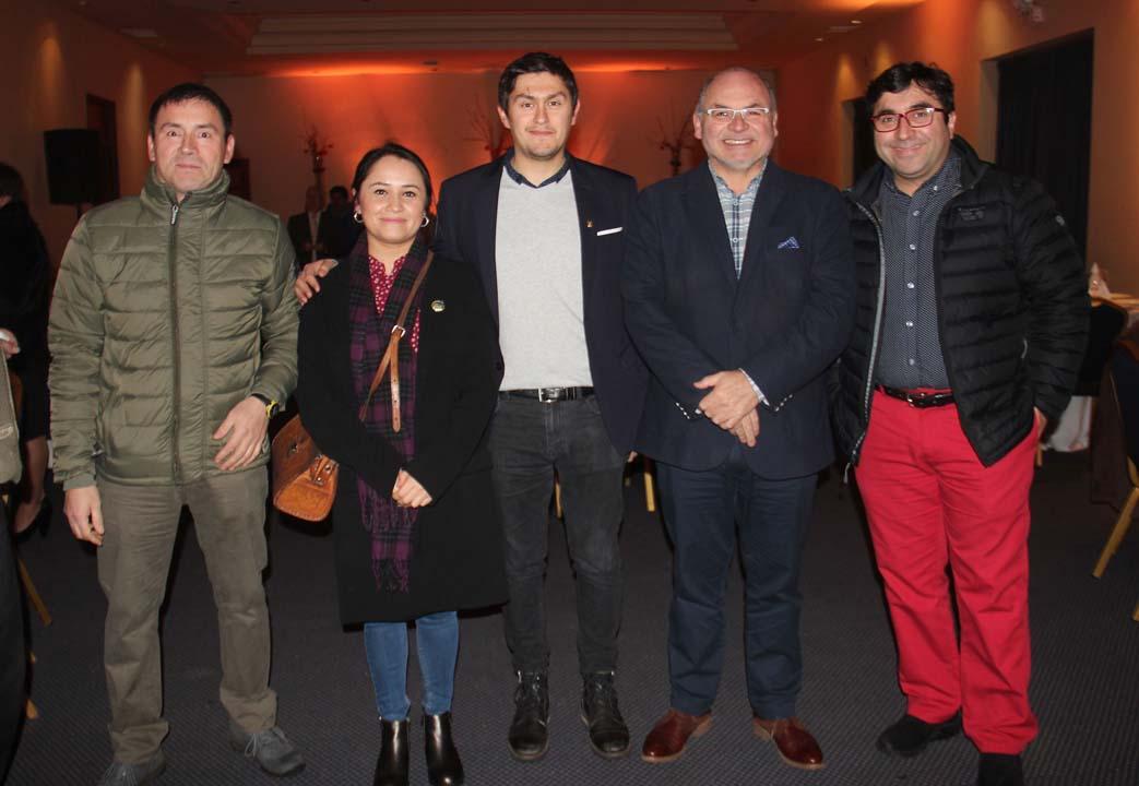 Oscar Cabezas, Amara Ávila, Paul Iturria, Juan Monroy y Mauricio López
