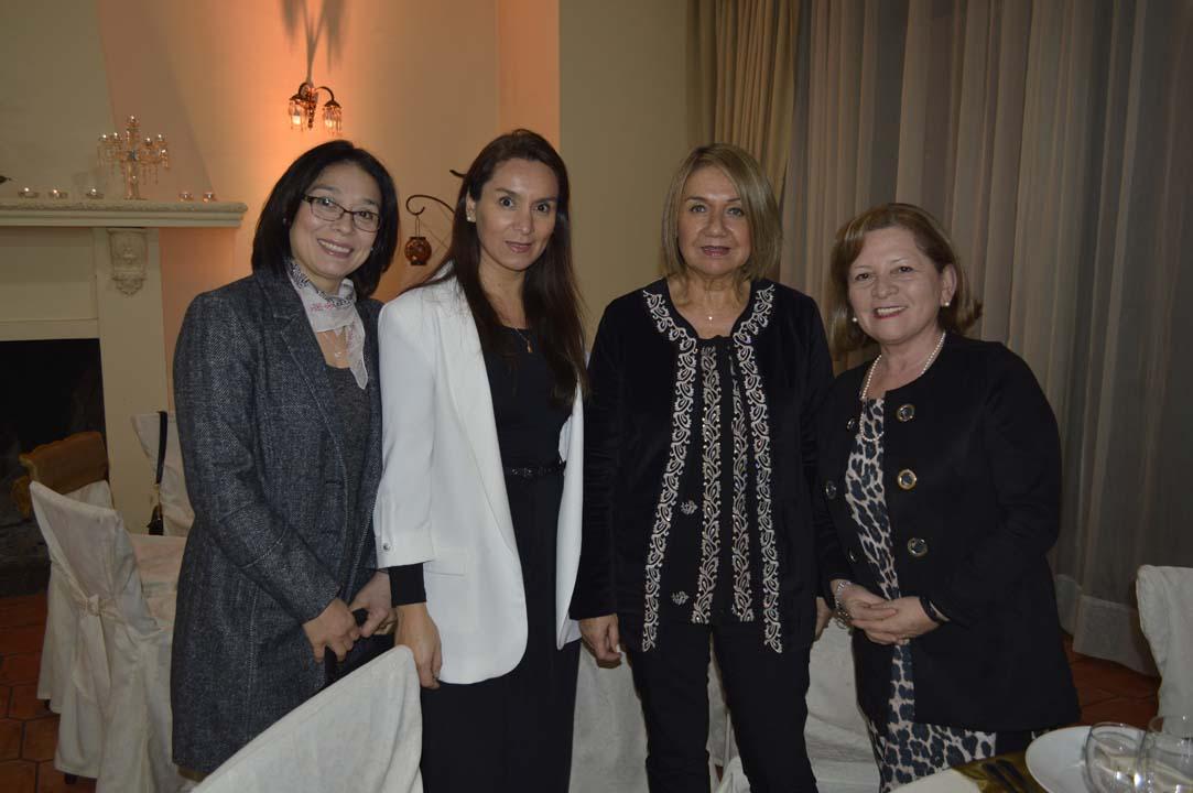 Gloria Sepúlveda, Carolina Gómez, María de Los Ángeles Arriagada y María Angélica Troncoso