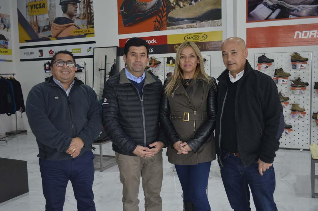 Alejandro Vergara (Masprot), Héctor Ulloa (Edelbrock), Yasna Cabezas (Isimat) y Mauricio Colombara (Vicsa)