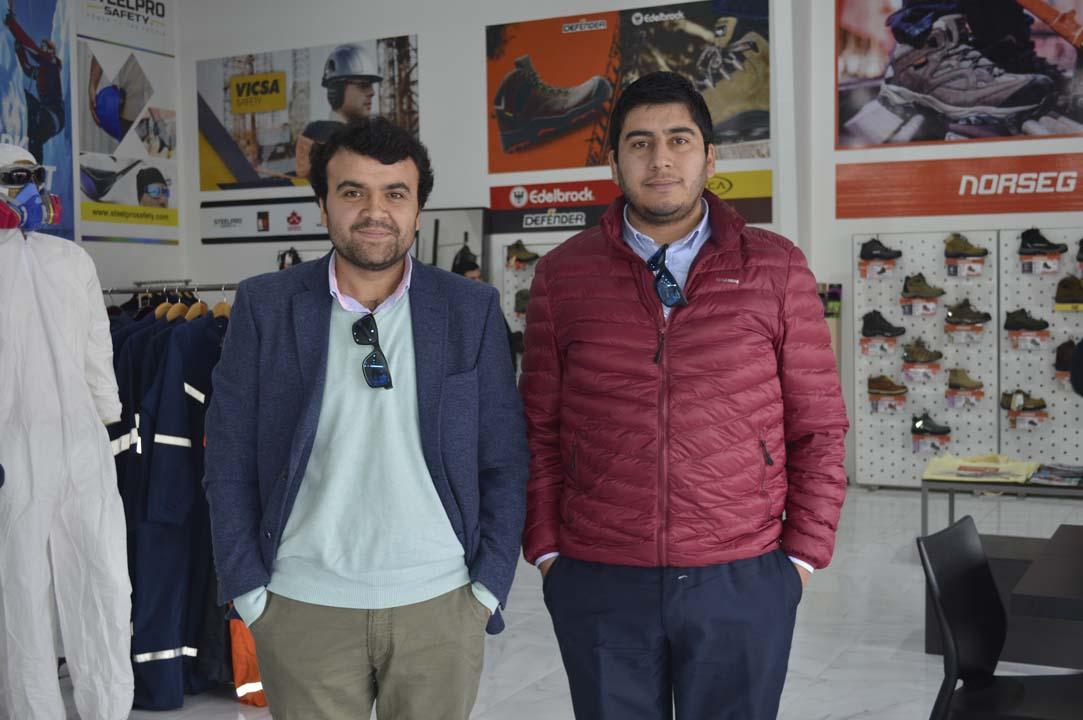 Luis Guiñez (Encargado de Finanzas Municipalidad Pemuco) y Jorge Salinas (Encargado de Adquisiciones Municipalidad Pemuco)