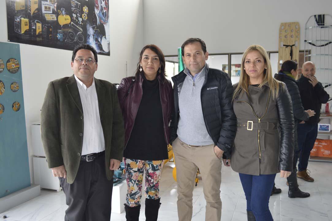 José Olivares (Municipalidad Chillán Viejo), Mónica Marinao (Municipalidad Chillán Viejo), José Luis Morales (Isimat) y Yasna Cabezas (Isimat).