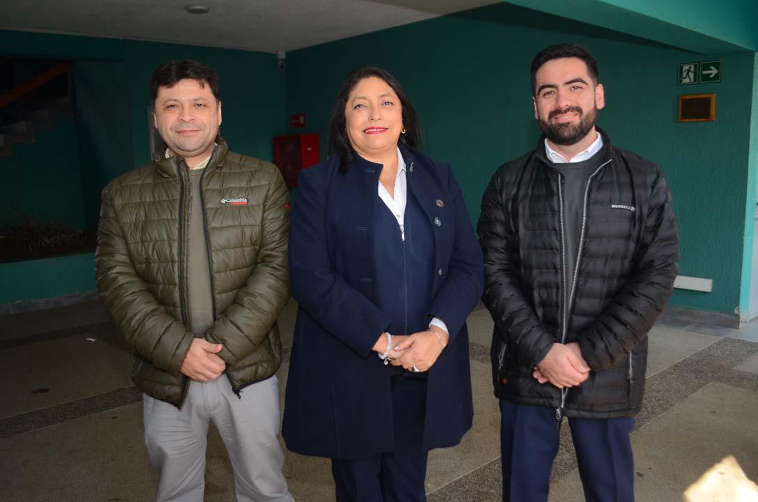 Luis Morán, María Cristina Morales y Felipe Monsalve