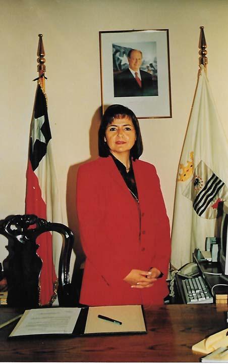 Myriam Quezada, Gobernadora Años 2000-2001