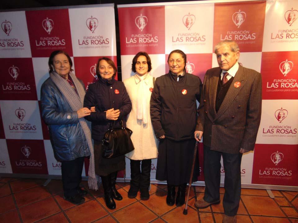Aura Lozano, Hna. Sofía, Hna. Luciene, Hna. Nieves y Hugo Barrera