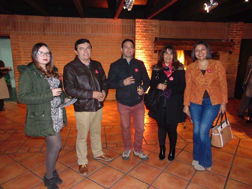 Tania Azocar, Jaime Martínez, Víctor Castillo, Marianela Espinoza y Paula Gallardo
