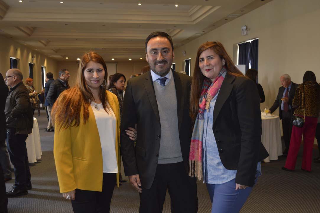Ana María Sandoval, Carlos Villanueva y Margarita Sandoval