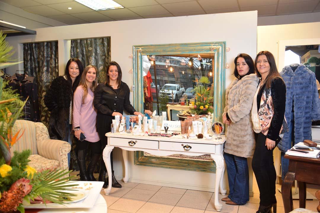 Sussy Park, Carolina Mella, Karin Aravena, Natalia Fonseca y Ruby Cartes