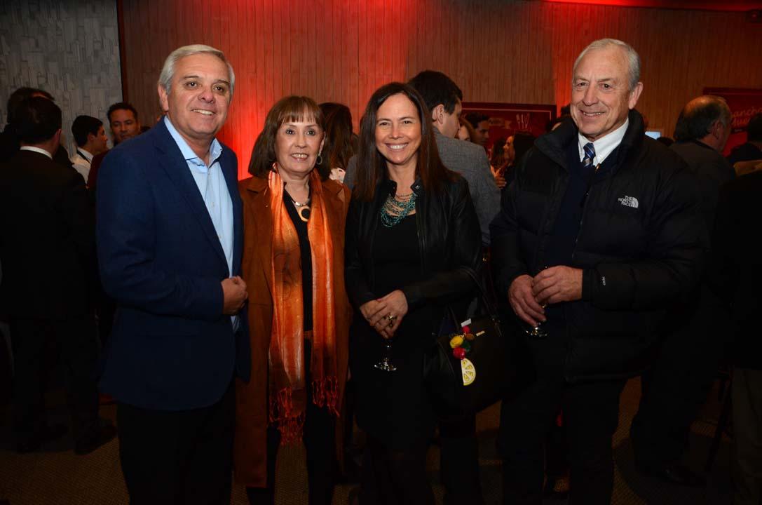 César Muñoz, María Soledad Gaete, Grace Salazar y Francisco Pinochet