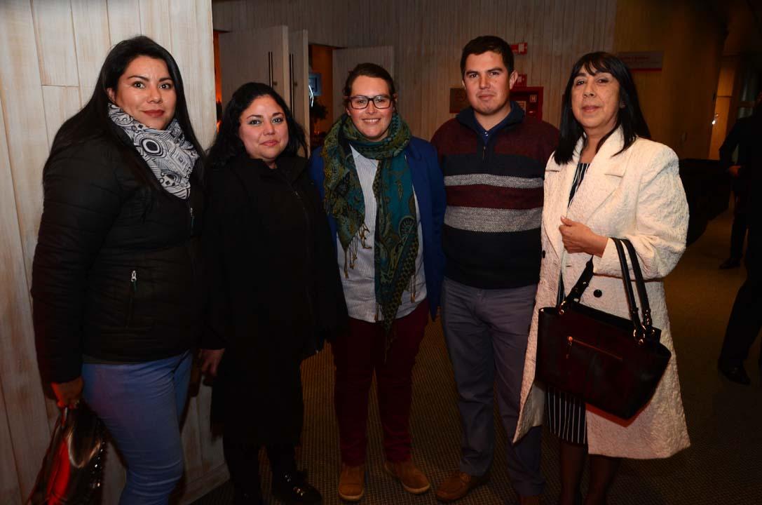 Claudia Pinilla, Sandra Duarte, Marcela Lobos, Raúl Alvear y Nora Orellana