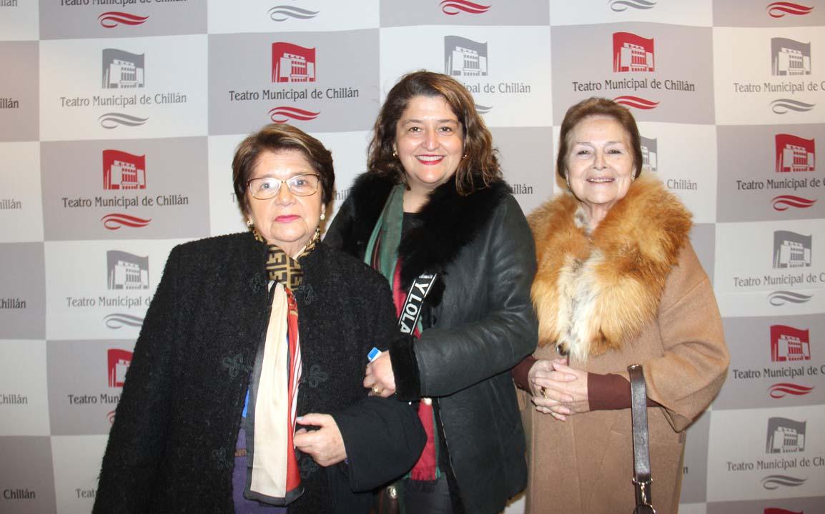 María Antonieta García, Carol Tolosa y Pilar Crisóstomo