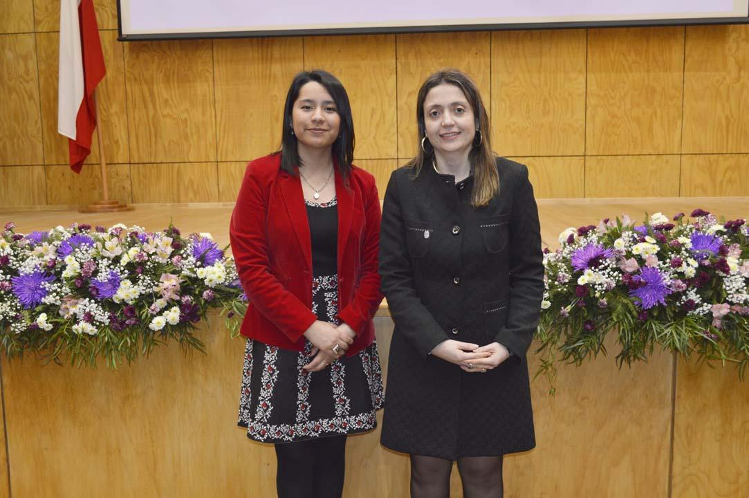 Gladys Quezada (Directora Escuela Nutrición y Dietética) y Mónica Cardona (Secretaria Académica Facultad de Ciencias de la Salud y de los Alimentos)