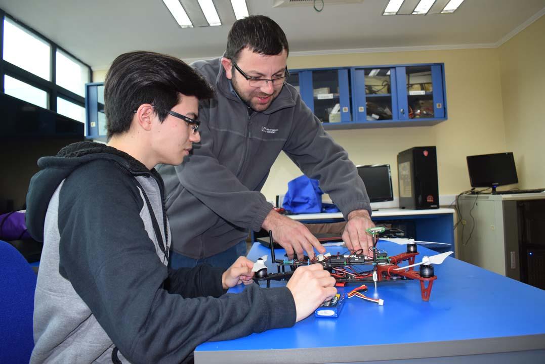 Facultad de Ingeniería UCM mira hacia el futuro con la Ingeniería Civil Electrónica