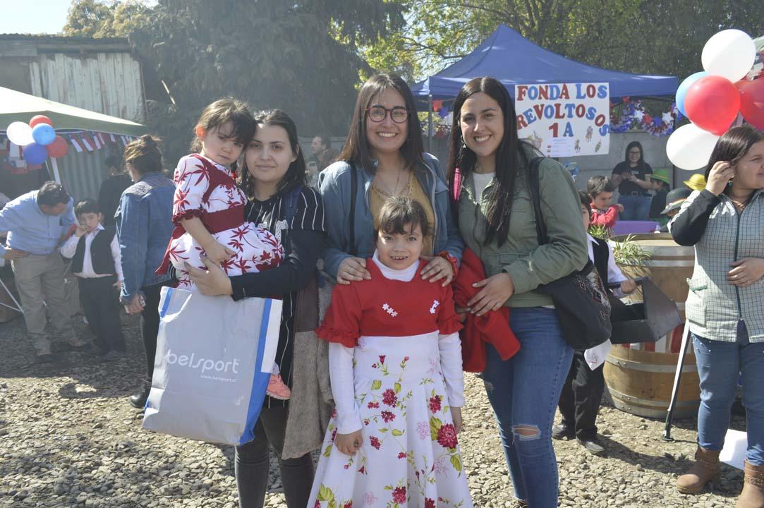 Bárbara Cuitiño, Josefa Jiménez, Constanza Sepúlveda y los niños Ignacia Pastén y Pascal Pastén