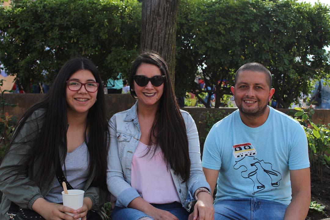 Anaís Quijada, Daniela Salinas y Eduardo Gutiérrez