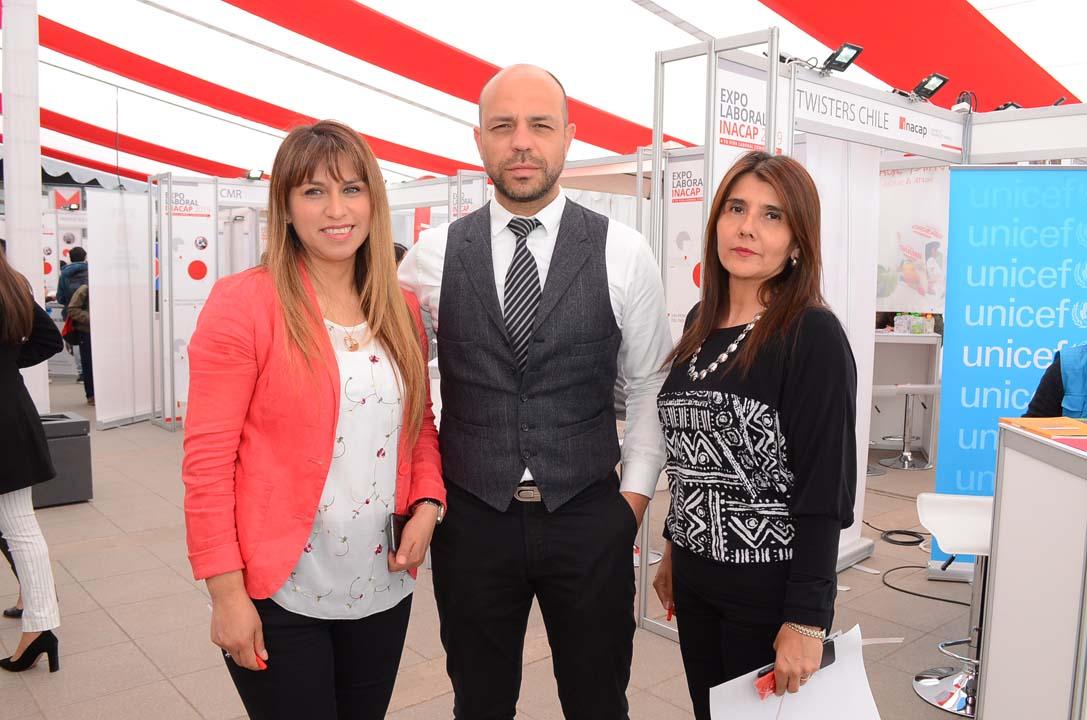 Ricardo Rojas, Nathalia Tapia, Nataly Aravena y José Viralta, equipo INACAP