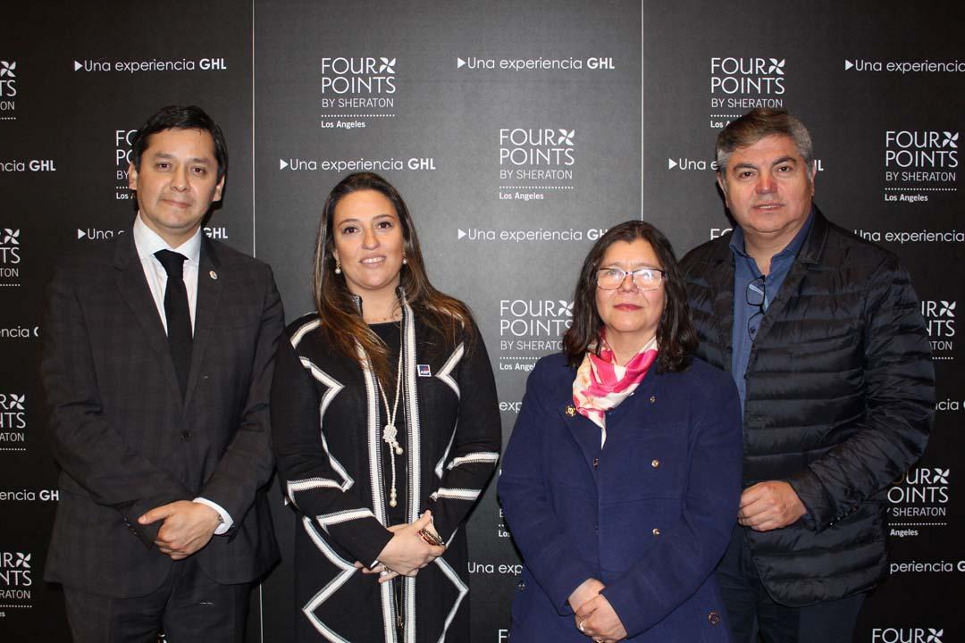 Mario Sotillo (Gerente General Hotel Four Points Los Ángeles), María De Los Ángeles Blu (directora ejecutiva de AIEP Los Ángeles), Helen Díaz (Directora General de la UdeC, campus Los Ángeles) y Sergio González.
